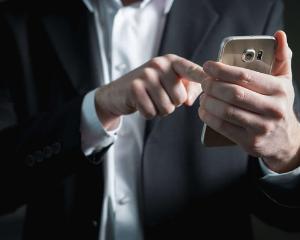 chatbot, collaborateurs, mains, téléphone