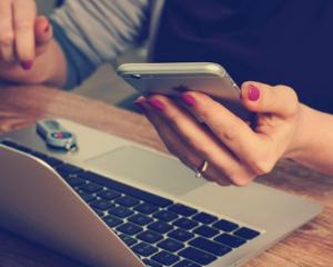 chatbot, sav, ordinateur, téléphone
